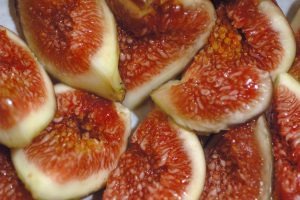 Figs, just another ingredient for weird fruit beers - Source: Wikimedia Commons, Eric Hunt